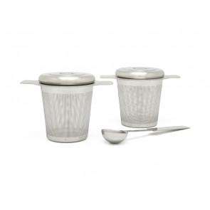 Deux filtres à thé avec cuillère